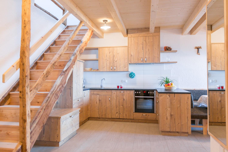 Appartamento agriturismo in alto adige in legno di pino cembro - Finestre in legno gia pronte ...